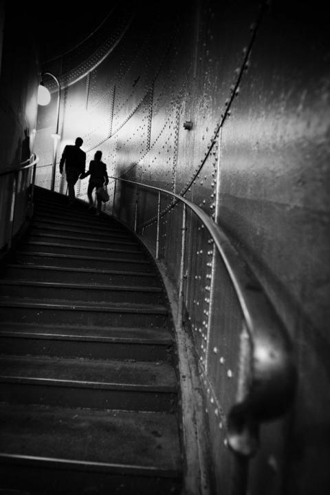 metro parisien en amoureux