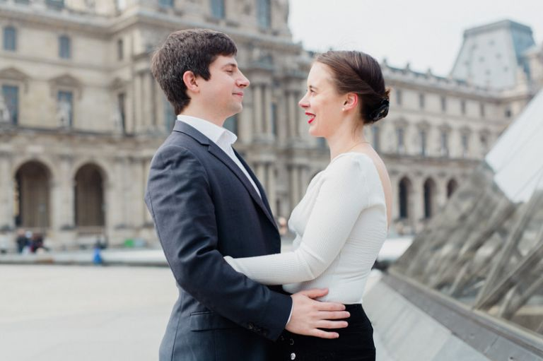 une séance de couple au jardin des tuileries
