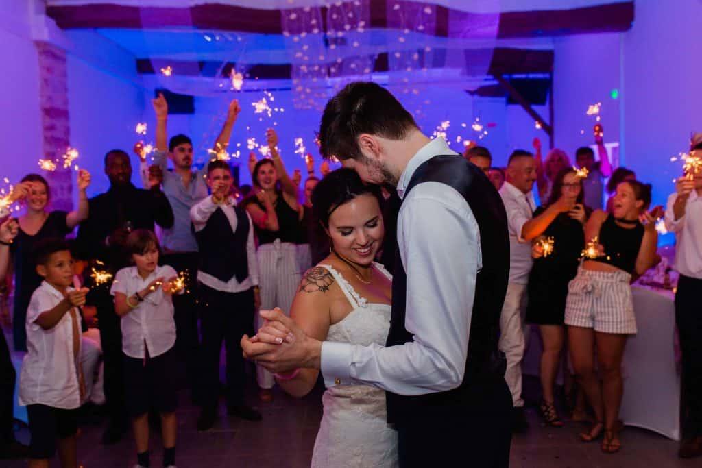 une danse des mariés