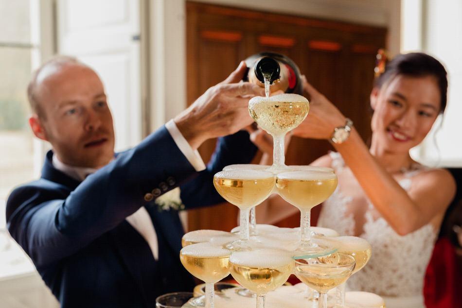Fontaine de champagne pour les mariés